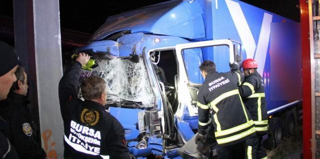 Bursa'da feci kaza...Polisler ailesine bildiremedi...