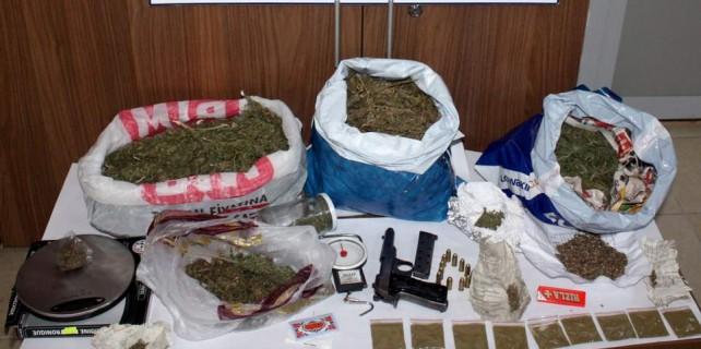 Bursa'da uyuşturucu tacirlerine geçit yok...