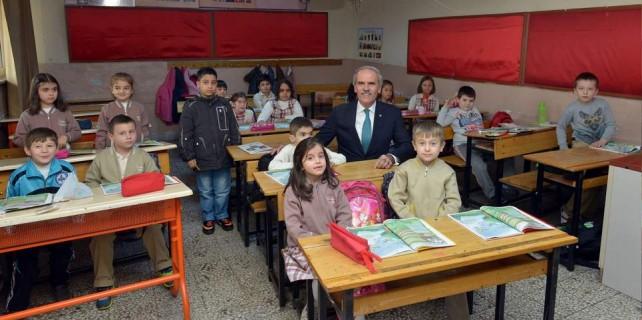 Büyükşehir okulları yeniliyor...