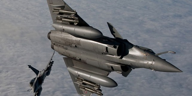 Fransa, IŞİD'e bomba yağdırdı...