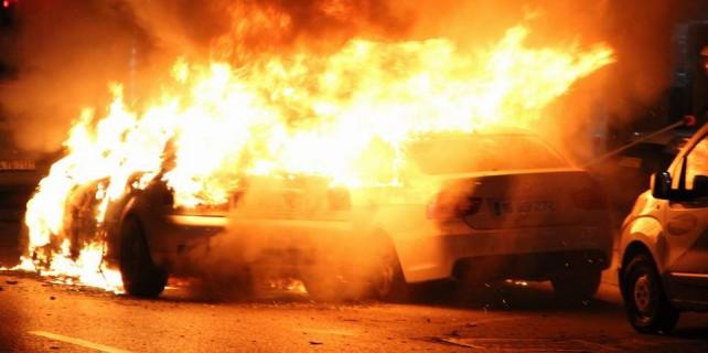 Bursa'da dehşet dolu dakikalar...3 aracı yaktı böyle yakalandı
