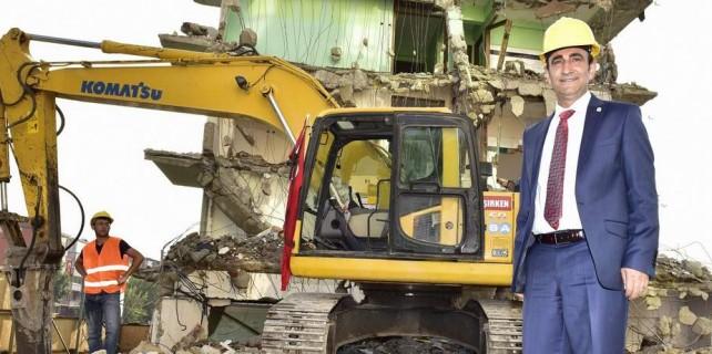 Yıldırım'da 226 kaçak ve metruk bina yıkıldı