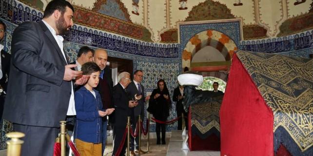 Şehzade ve çocukları Bursa'nın Topkapı Sarayı'nda