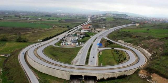 Bursa İzmir Otobanı zor virajda...