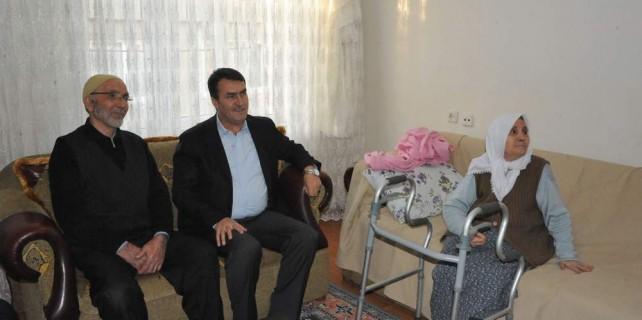 Mustafa Dündar dua alıyor