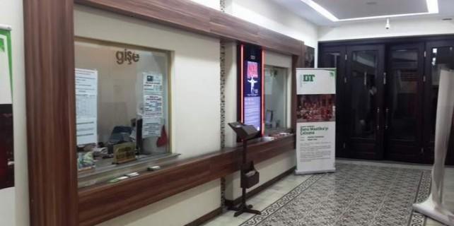 Nilüfer'in biletleri AVP gişesinde