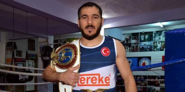 Bursalı Hüsnü dünya şampiyonu...
