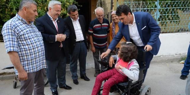 Mustafa Dündar yüzleri güldürüyor...