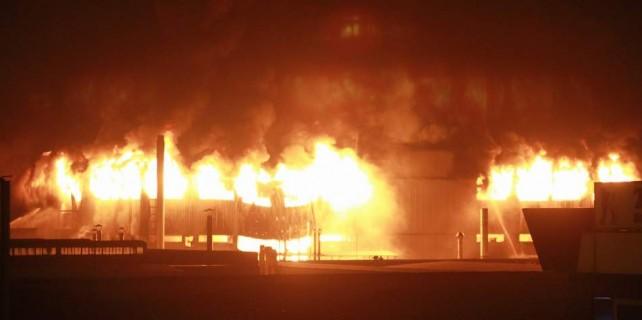 Bursa'da yanan dev fabrika için büyük dayanışma...