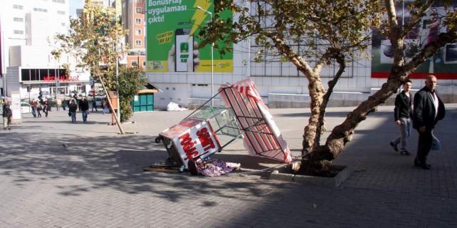 Lodos Bursa'yı yine çarptı...