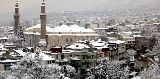 Bursa'da bir hafta kar var...