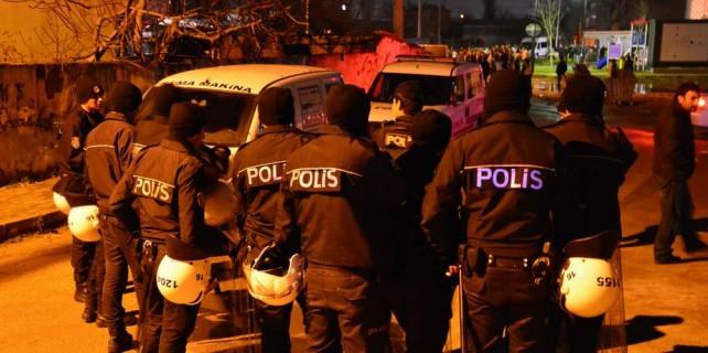 Bursa'da 100 kişilik gruptan linç girişimi...Polis havaya ateş açtı
