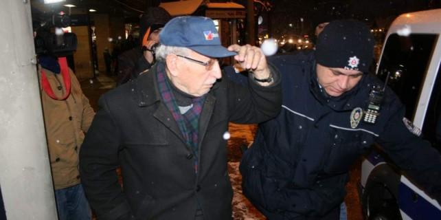 91 yaşındaki adama dolandırıcılardan büyük şok