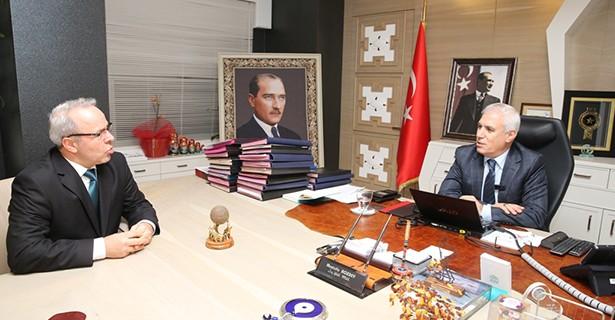Yeni yönetimin ilk ziyareti Bozbey'e