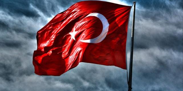 Buzdan Türk bayrağı