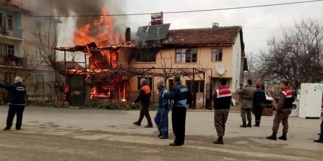 Bursa'da dehşet anları...3 ev artık yok...