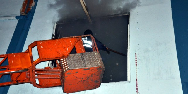 Bursa'daki iplik fabrikasında yangın...