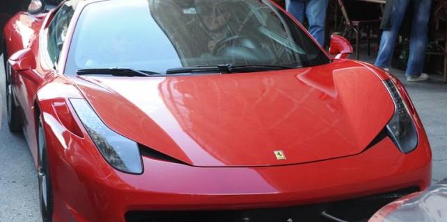 Ferrari'yle kahvaltı keyfi...