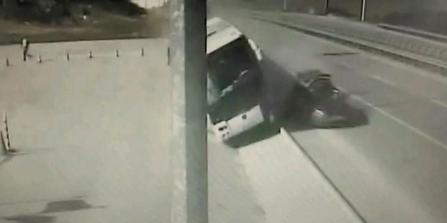 Bursa'da yolcu otobüsünde dehşet anları...