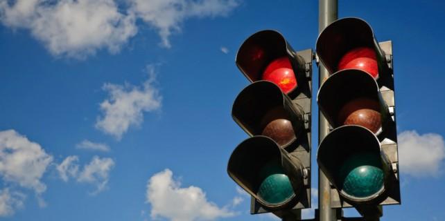 Trafik ışıkları sürücüleri çileden çıkarttı...