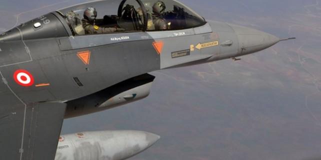 Suriye sınırında devriye uçuşu!