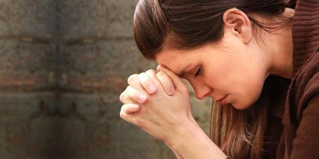 Borcunu dua ederek ödeyecek