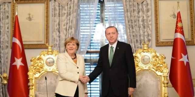 Cumhurbaşkanı Erdoğan, Merkel ile görüştü...