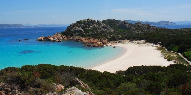İtalyan öğrenciler ada satın almak için bağış topluyor