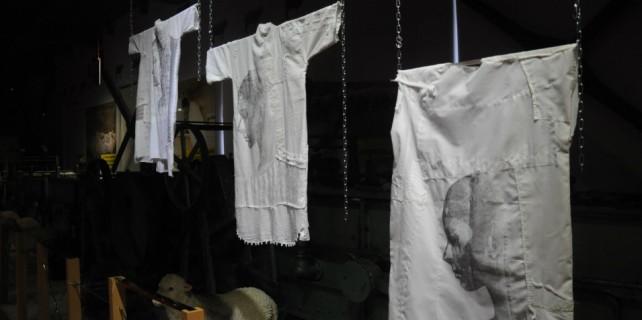 Kadına şiddet gömleklerle anlatıldı...