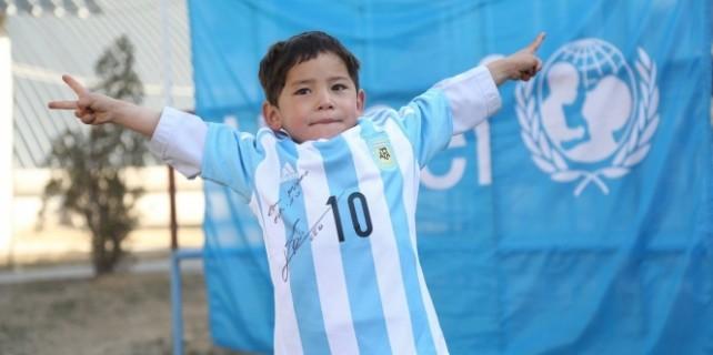 Messi, minik çocuğun hayalini gerçekleştirdi