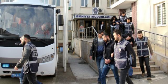 Bursa'da yapılan operasyon sonrası 13 kişi hakim karşısında