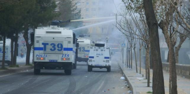 Diyarbakır savaş alanına döndü!