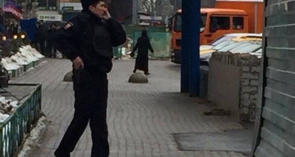 Kan donduran görüntü...Kesik çocuk başıyla sokakta görüntülendi!