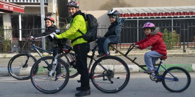 Bursa'da aile boyu bisiklet...