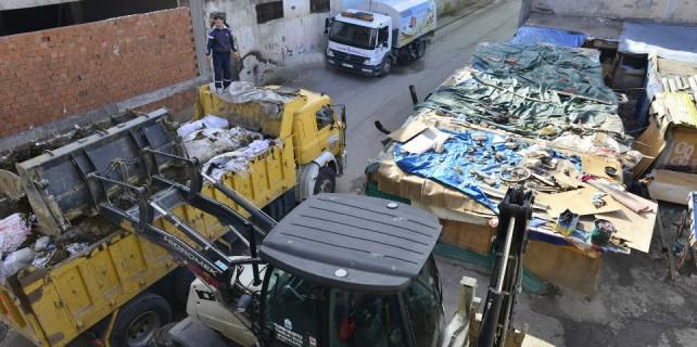 Bursa'da kaçak yapılar yıkılıyor