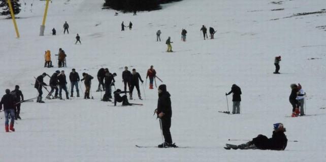 Mart ayında düşe kalka kayak keyfi...