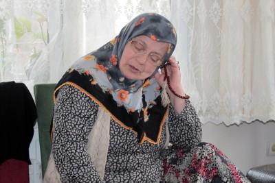 """(ÖZEL HABER) ALMANYA'DA BOMBALI SALDIRIDA ÖLEN TÜRKÜN AMCASI, OLAYIN SİYASİ OLABİLECEĞİNİ ÖNE SÜRDÜ ALMANYA'DA HAYATINI KAYBEDEN MESUT TER'İN AMCASI: """"PARMAKLARINDA VE VÜCUDUNDA TÜRK BAYRAĞI DÖVMELERİ VARDI. YÜREKLİYDİ. VATANI İÇİN YAPAMAYACAĞI BİR ŞEY YOKTU"""" ACILI ANNE: """"KİMSEYİ İNCİTMEZDİ. ZİYARETE BEKLERKEN CENAZESİ GELECEK"""""""
