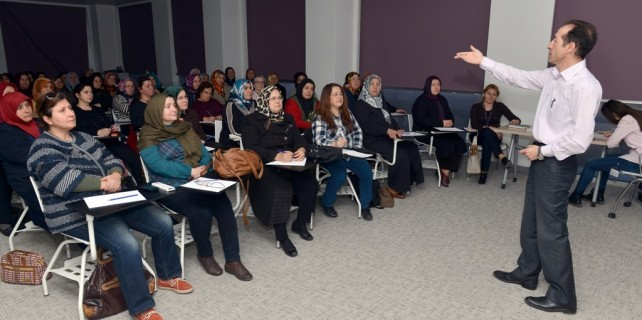 Nilüfer'deki kadın derneklerine hijyen eğitimi