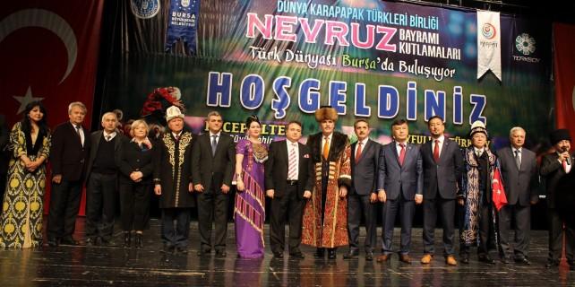 Dünya Türkleri Bursa'da teröre karşı tek yürek...