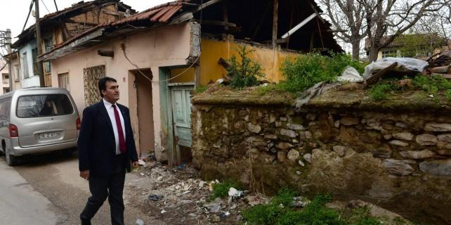Harabe tarihi evler eski görkemine kavuşuyor