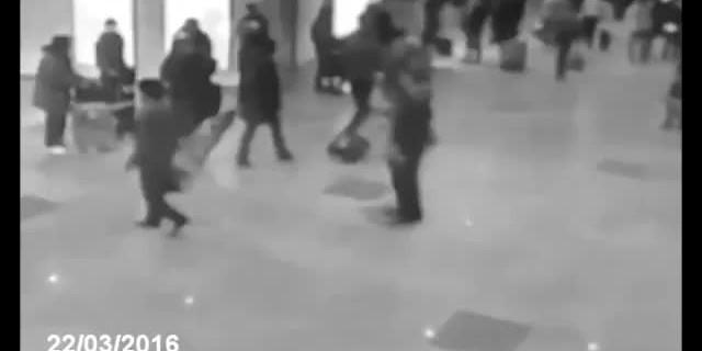 Brüksel'deki patlama anı kameralarda