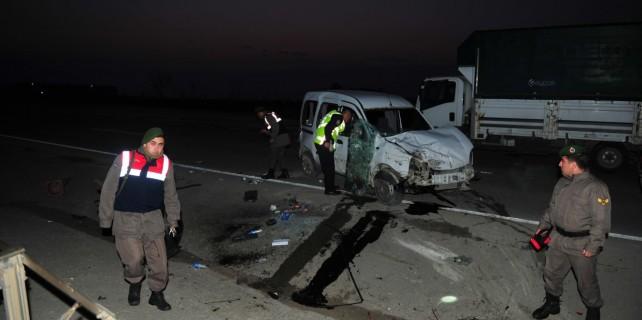 Bursa'da kaza1'i ağır 2 yaralı
