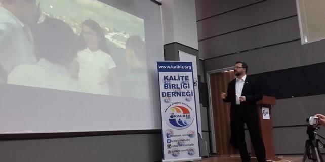"""Bursa'da """"Bağımlılıklar"""" konferansı"""