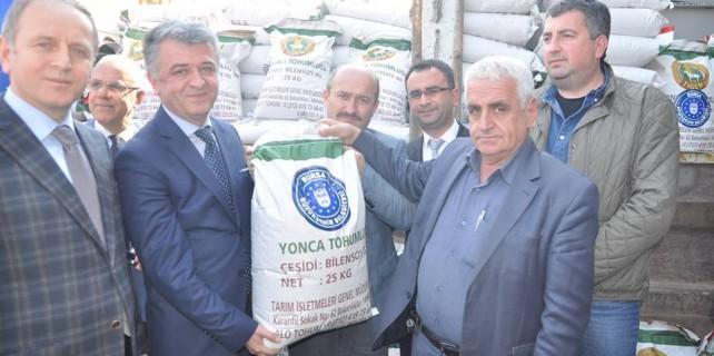 Büyükşehir'den Karacabeyli çiftçilere destek