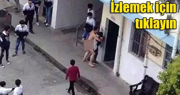 Çıplak öğretmen okul bahçesinde tecavüze yeltendi