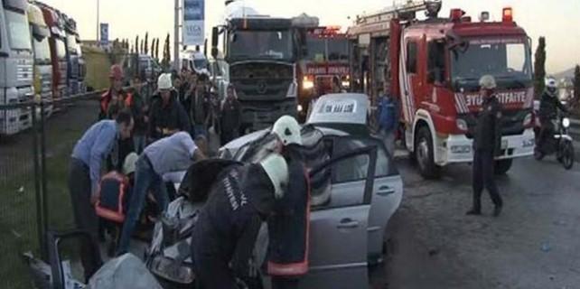 Beton mikseri ile otomobil kafa kafaya çarpıştı: 2 ölü, 1 yaralı...
