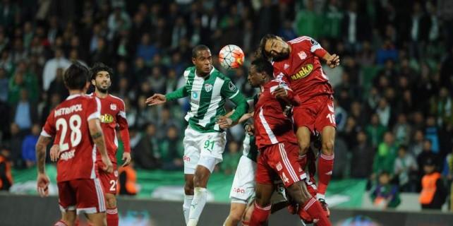 Bursaspor'da önemli iki kayıp...