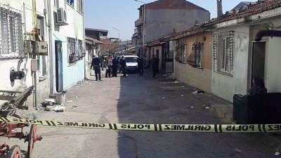 14 YAŞINDA KATİL OLDU BURSA'DA 14 YAŞINDAKİ ÇOCUK, ARALARINDA HUSUMET OLAN 20 YAŞINDAKİ GENCİ SİLAHLA ÖLDÜRDÜ