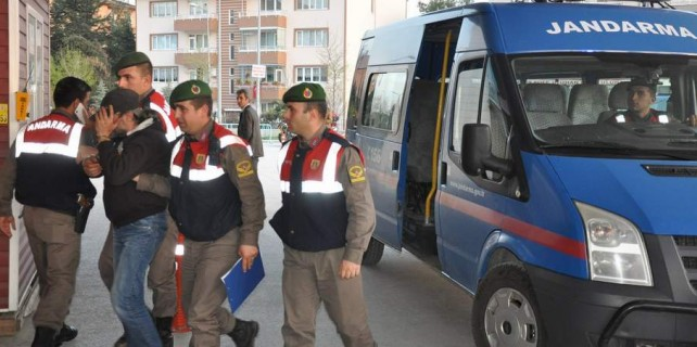 Bursa'da uyuşturucu operasyonu...İnsan yiyen köpek yetiştirmiş