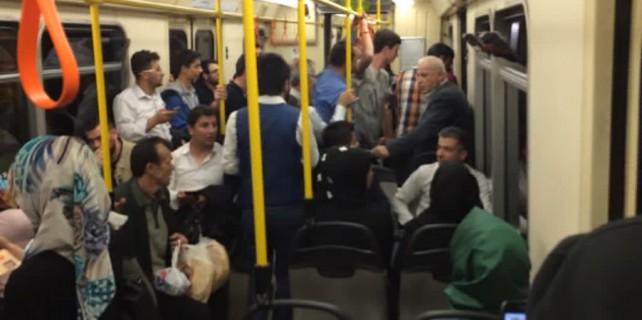 Metro'da panik anları! Yüzlerce vatandaş bir anda..